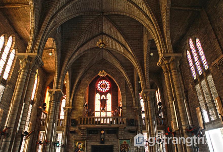 Kiến trúc nhà thờ Chánh Tòa theo phong cách kiến trúc Gothic - Ảnh sưu tầm