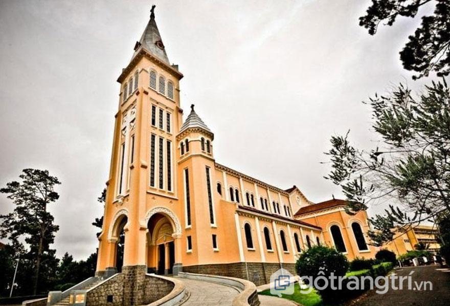 Kiến trúc độc đáo của nhà thờ Con Gà, Đà Lạt - Ảnh sưu tầm
