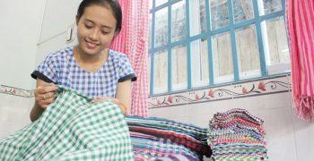Khám phá làng nghề dệt khăn rằn Nam Bộ hơn 100 năm tồn tại và phát triển
