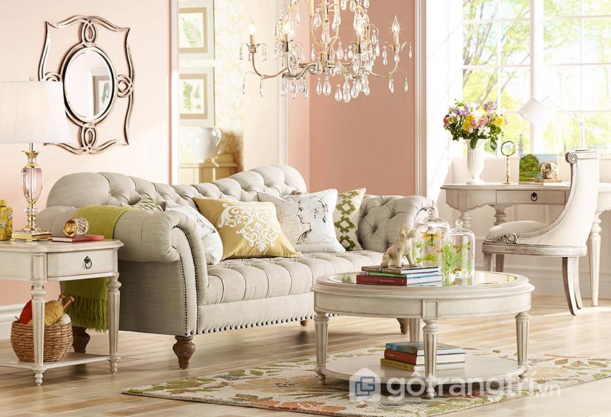 Mảng tường màu hồng rose quartz tạo nên nét đẹp độc đáo