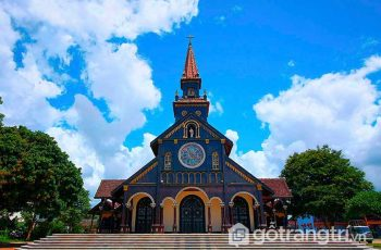 Nhà thờ gỗ Kon Tum - Công trình kiến trúc độc đáo hơn 100 năm tuổi