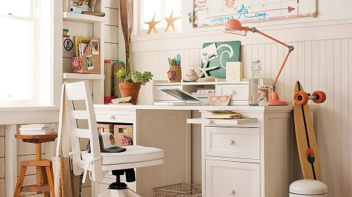 Chuyên gia tư vấn cách trang trí bàn học đơn giản, sáng tạo