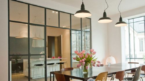 Vách ngăn bằng kính - Phá tan sự chật chội cho căn nhà của bạn