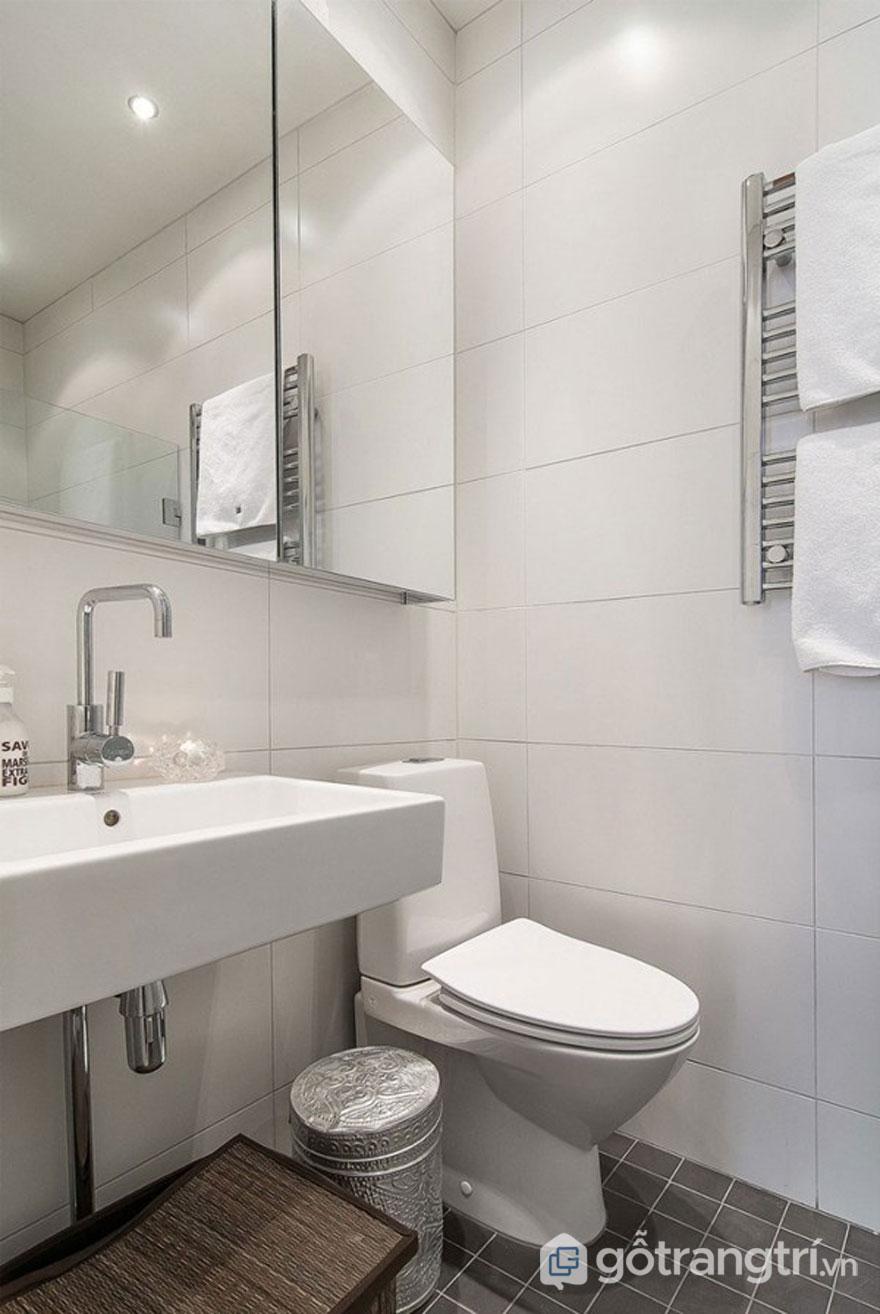 Tủ đồ lắp gương vô cùng tiện dụng và giúp mở rộng không gian