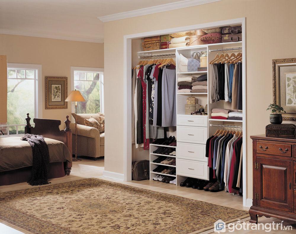 Không nên chọn kích thước tủ quần áo quá lớn hoặc quá bé so với không gian sống