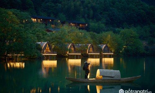 Say lòng với những ngôi nhà thuyền ven sông đẹp như trong tranh vẽ