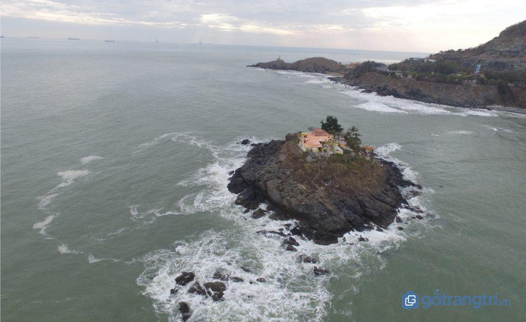 Toàn cảnh đảo Hòn Bà, nơi có con đường dưới biển Vũng Tàu