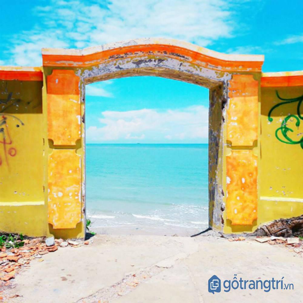 """Cổng trời - điểm """"check in"""" nhiều nhất của du khách khi đến khu du lịch Mũi Nghinh Phong"""