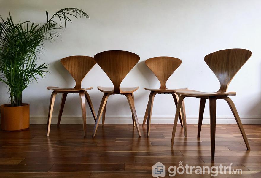 Loại ghế này thường được làm từ gỗ tự nhiên