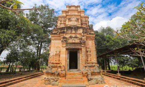 Chiêm ngưỡng kiến trúc độc đáo của tháp cổ Bình Thạnh ở Tây Ninh