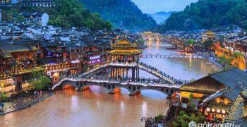 Điều ít biết về kiến trúc điếu cước lâu của Phượng Hoàng cổ trấn
