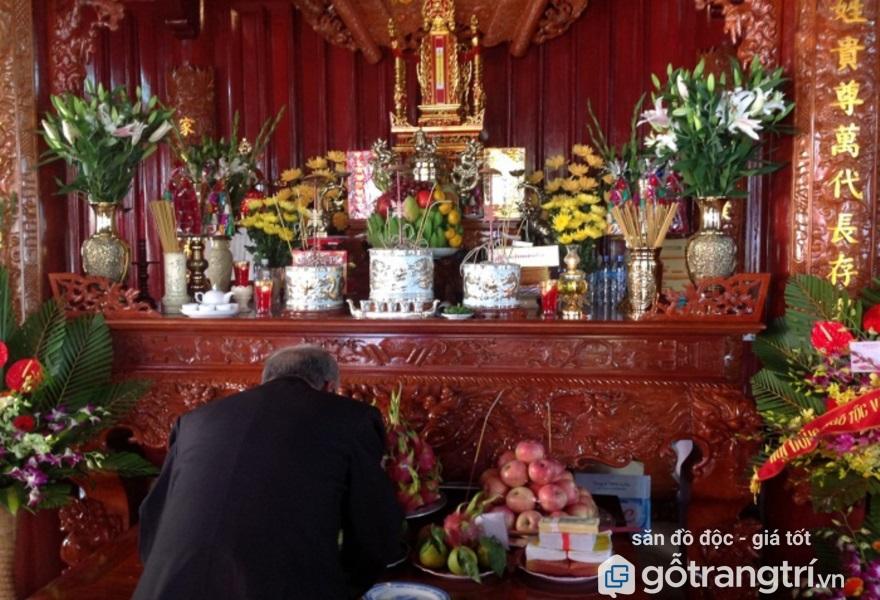 Bài trí bát hương trên bàn thờ gia tiên