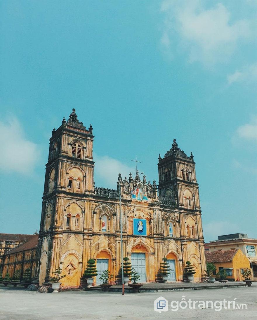 Hình ảnh bên ngoài tòa giám mục Bùi Chu (Ảnh internet)