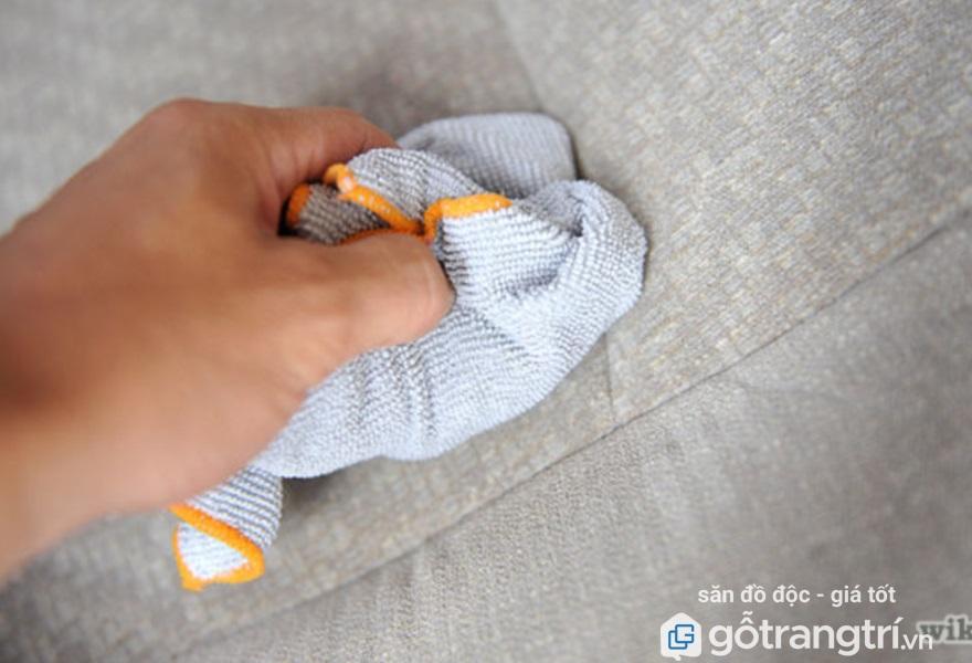 Cách giặt ghế sofa vải