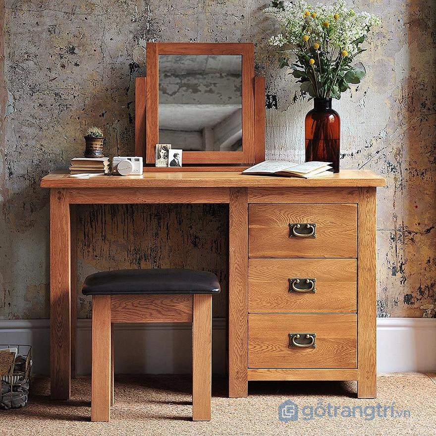 Mẫu bàn trang điểm bằng gỗ đẹp mang đôi nét cổ điển