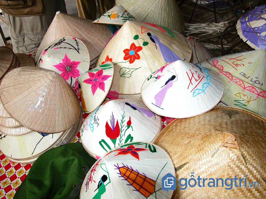 Làng nghề truyền thống làm nón lá ở xứ Huế (ảnh: Internet)