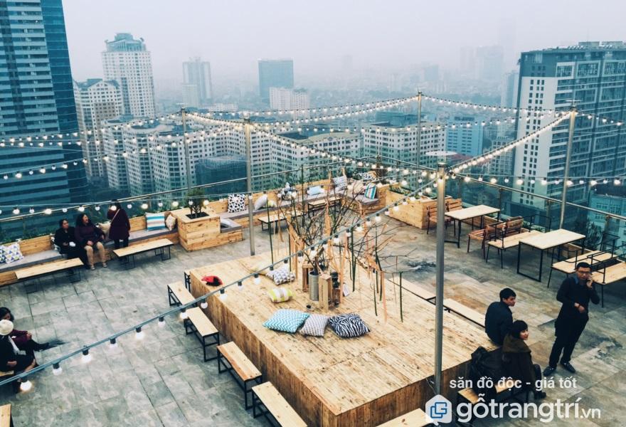 Quán cà phê trên cao tại Hà Nội