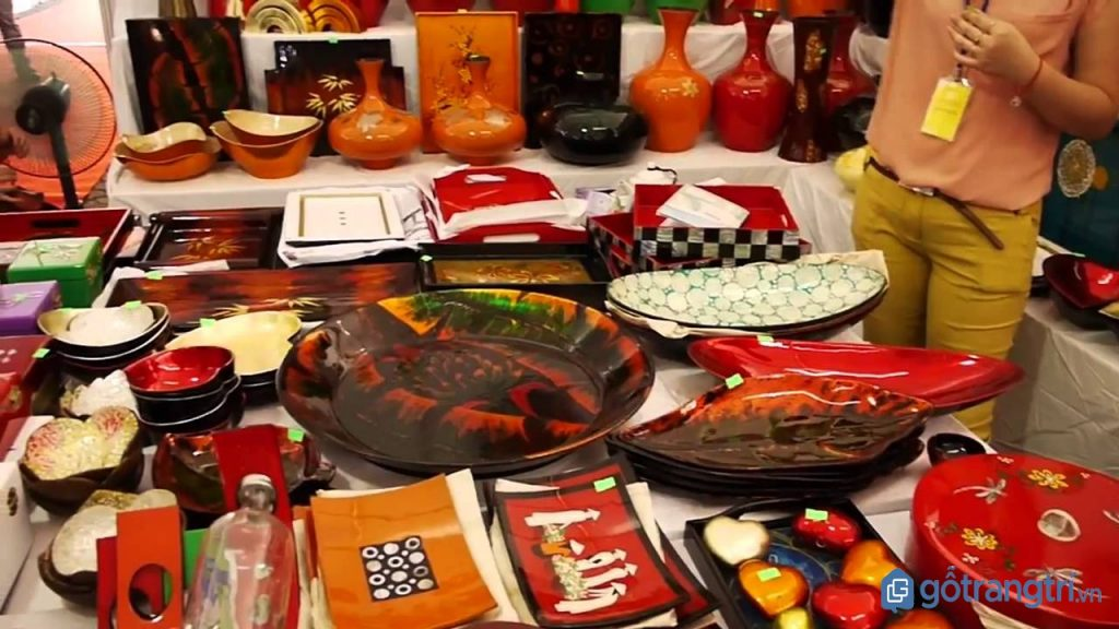 Phòng trưng bày sản phẩm ở làng nghề sơn mài Bình Dương. (Ảnh: internet)