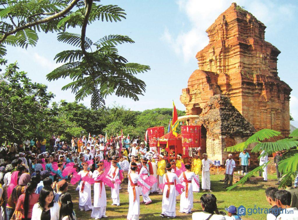 Toàn cảnh nhộn nhịp của lễ hội Ka Tê ở Ninh Thuận. (Ảnh: internet)