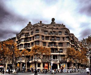 Tòa nhà nổi tiếng La Pedrera, Barcelona (Ảnh internet)
