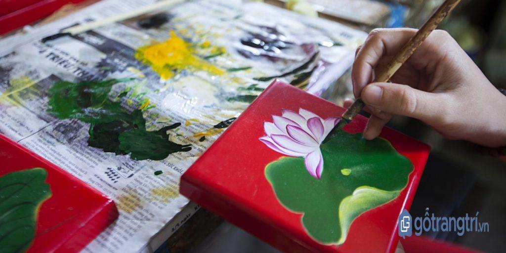 Sản phẩm của làng nghề sơn mài Bình Dương được làm từ chất sơn chọn lọc đặc biệt. (Ảnh: internet)