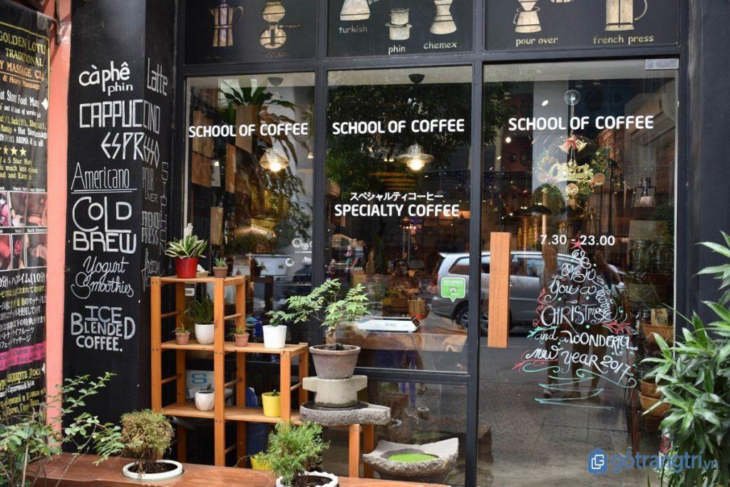 Không gian quán cà phê đẹp Shin Coffee nhìn từ bên ngoài. (Ảnh: internet)