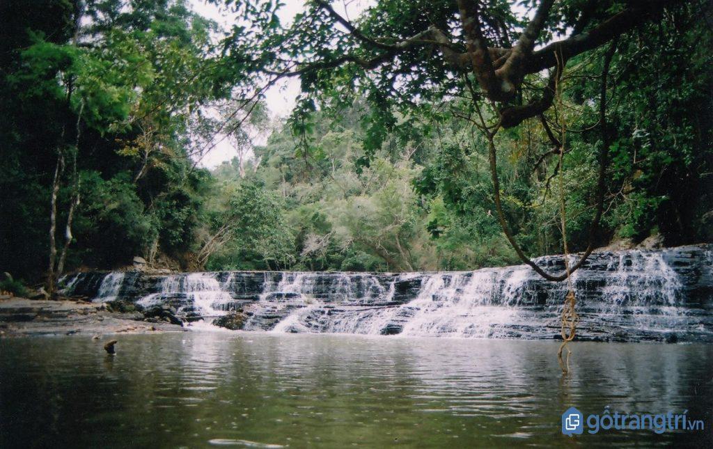 Khám phá thác Thủy Tiên (thác Ba tầng) trong chuyến du lịch Buôn Ma Thuột. (Ảnh: internet)