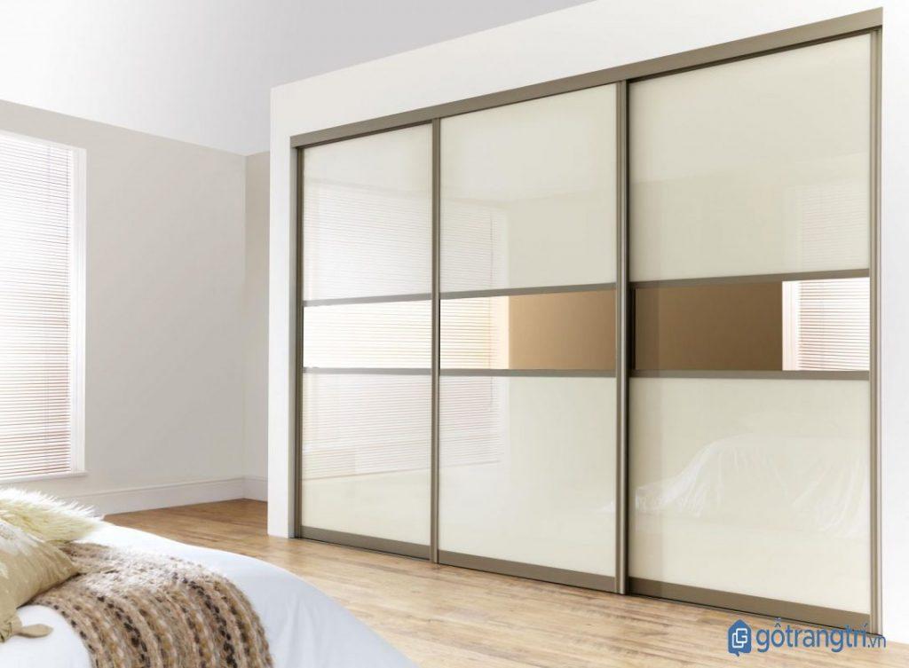 Tủ quần áo hiện đại âm tường kết hợp cửa lùa xua tan nỗi lo phòng ngủ nhỏ. (Ảnh: internet)