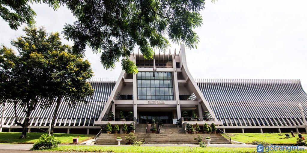 Toàn cảnh kiến trúc nhà rông độc đáo của Bảo tàng Đắk Lắk. (Ảnh: internet)