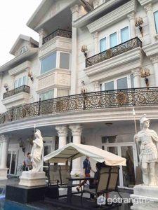 Biệt thự đẹp toàn màu trắng của nhà chồng Tăng Thanh Hà - Ảnh Internet