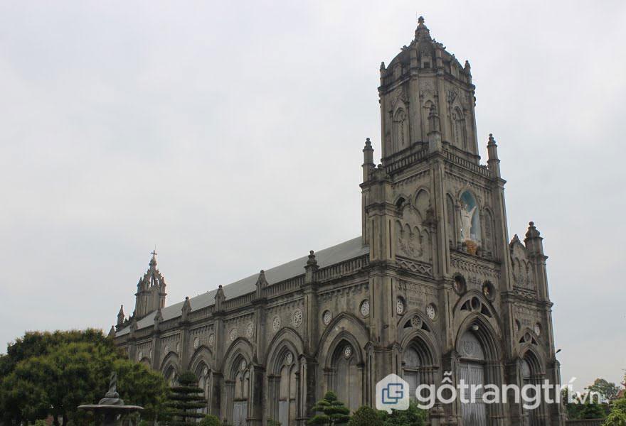 Các nhà thờ ở Nam Định tạo nên sức hút riêng cho mảnh đất địa linh nhân kiệt (Ảnh internet)
