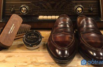 Mẹo hay cho bạn: Cách chữa giày da bị bong tróc trở lại như mới