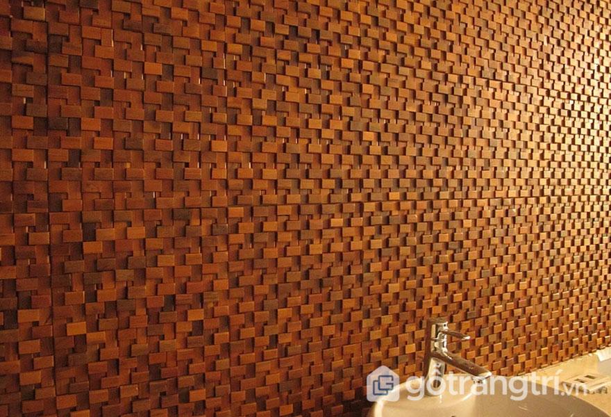 Gạch mosaic gỗ trang trí tại trung tâm spa Hà Nội - Ảnh: Internet