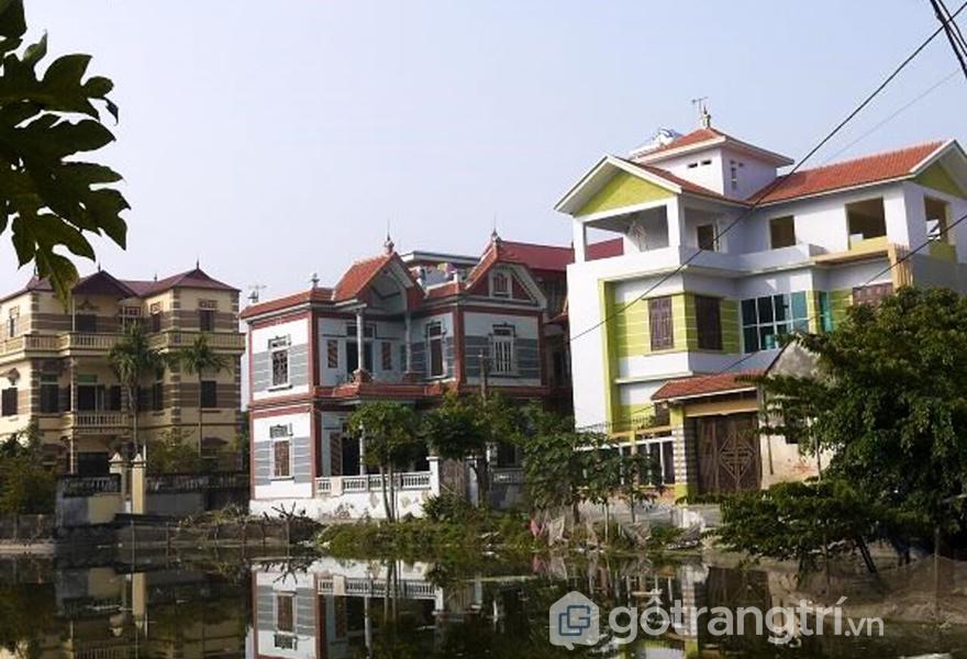"""Thôn Miêng Thượng, Ứng Hòa, Hà Nội đã trở thành """"làng tỷ phú"""" với các biệt thự san sát nhau (ảnh: tạp chí kiến trúc)"""