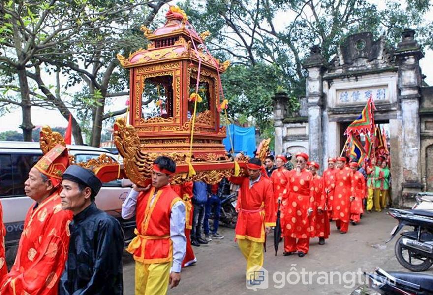 Lễ hội tại làng Diềm, Bắc Ninh đại diện cho những giá trị truyền thống của làng Việt (ảnh Lê Bích)