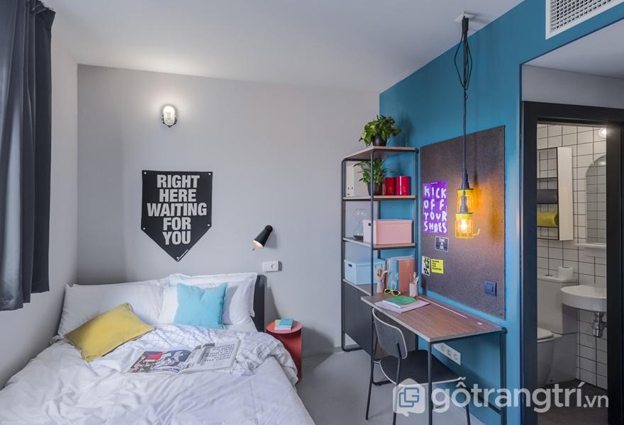 Không gian phòng ngủ vui tươi, trẻ trung và đầy đủ tiện nghi (Ảnh: Luis Beltran)
