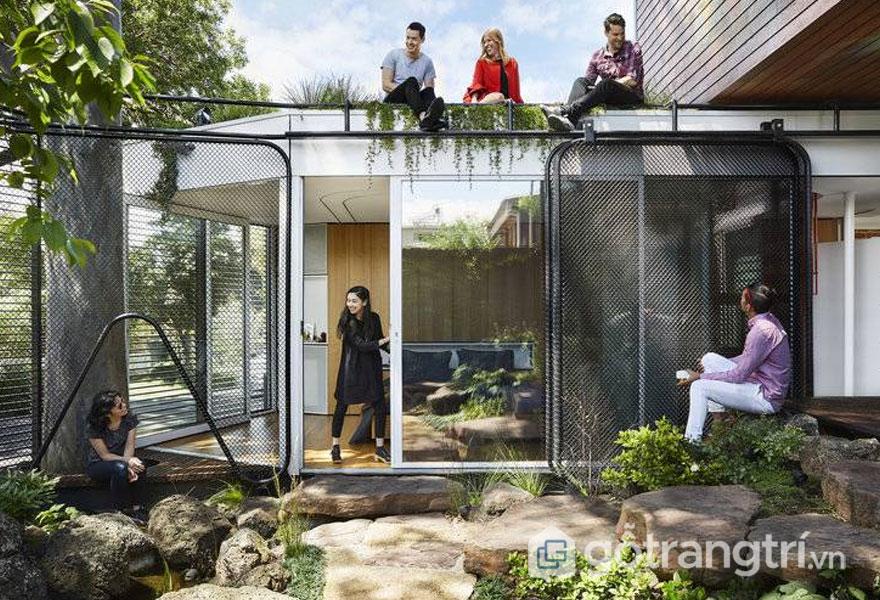 Công trình kiến trúc nhà thiết kế khá đơn giản nhưng bình yên, gần gũi thiên nhiên (Ảnh: Internet)
