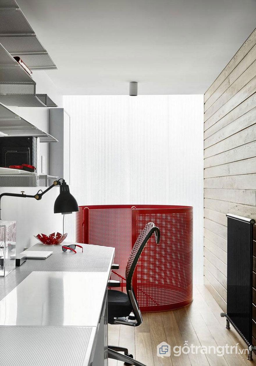 Phòng làm việc thiết kế khá đơn giản, yên tĩnh, nội thất đầy đủ (Ảnh: Internet)