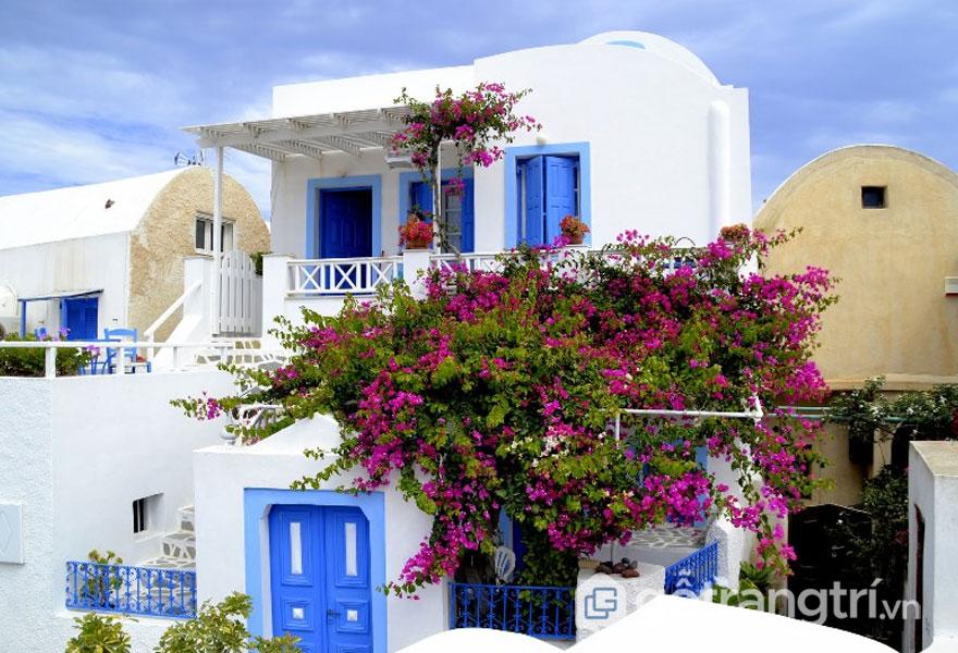 Những ngôi nhà với lối kiến trúc mái vòm của Santorini (Ảnh: Flickr.com)