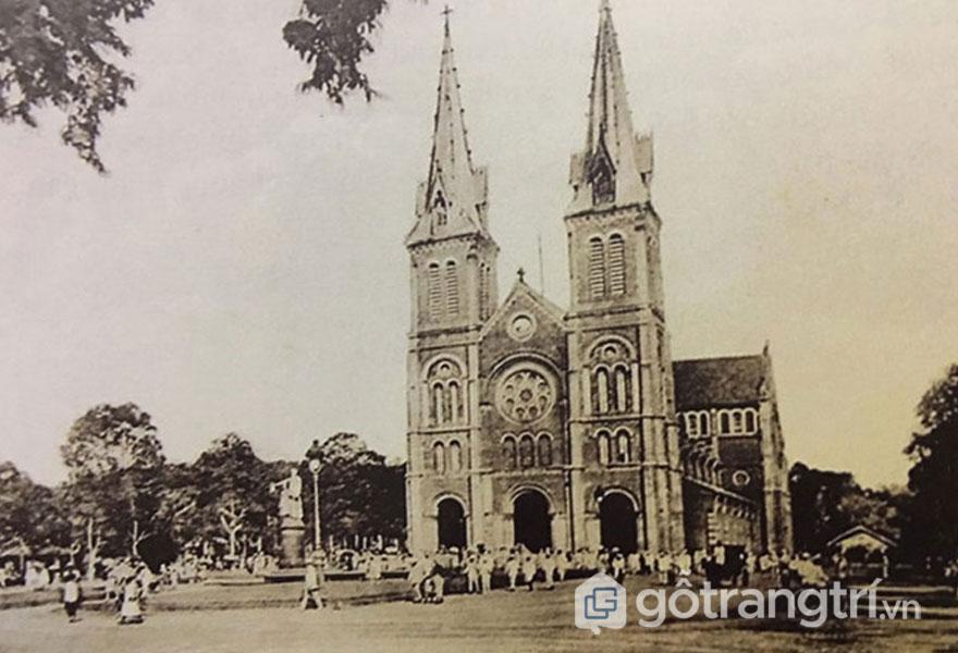 Tháp Chuông nhà thờ nâng cao thành 60m - Ảnh: Đình Phú