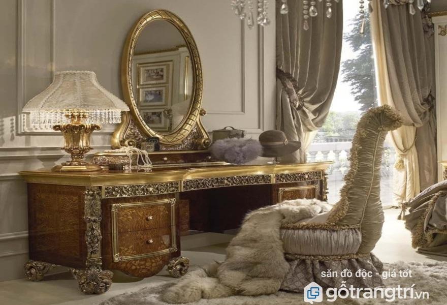 Mẫu bàn trang điểm cổ điển đẹp lấp lánh ánh kim (ảnh internet)