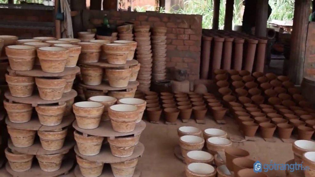 Lò sản xuất gốm thủ công tại làng gốm sứ Bình Dương. (Ảnh: internet)