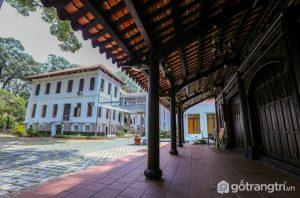 Ngôi nhà cổ nhất Sài Gòn này ban đầu được xây dựng bên bờ kênh Thị Nghè, trong khuôn viên của Thảo Cầm Viên ngày nay - Ảnh internet