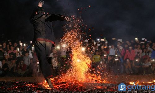Nét độc đáo lễ hội nhảy lửa có một không hai của người Pà Thẻn