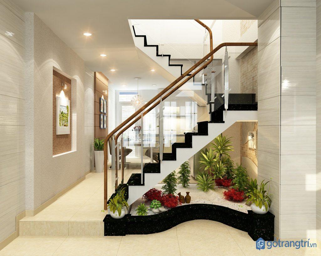Mang thiên nhiên vào nhà với khu vườn mini dưới chân cầu thang. (ảnh: internet)