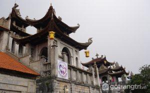 Nhà thờ đá Phát Diệm có nhiều chi tiết được chạm trổ rất tinh xảo - Ảnh Vnexpres