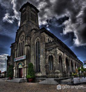 Nhà thờ đá Nha Trang là một trong những địa điểm du lịch nổi tiếng - Ảnh internet