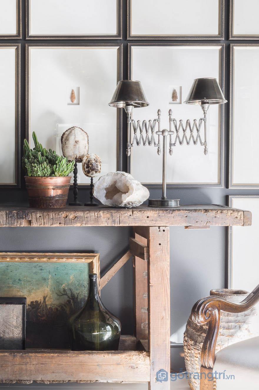 Đồ trang trí trong căn hộ phong cách Tudor (ảnh Alyssa Rosenheck)