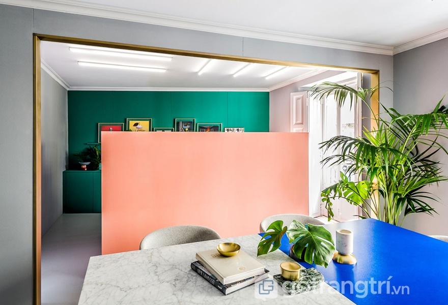 Những khối màu khác nhau được sử dụng trong không gian Postmodernism (ảnh internet)