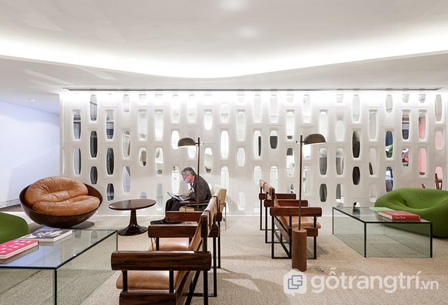 Khu vực sảnh bên trong khách sạn (ảnh: ELLE DÉCOR)